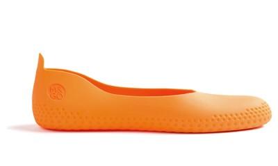 sur chaussure orange