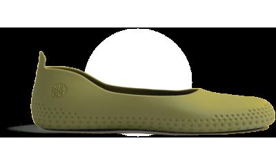 sur chaussure verte